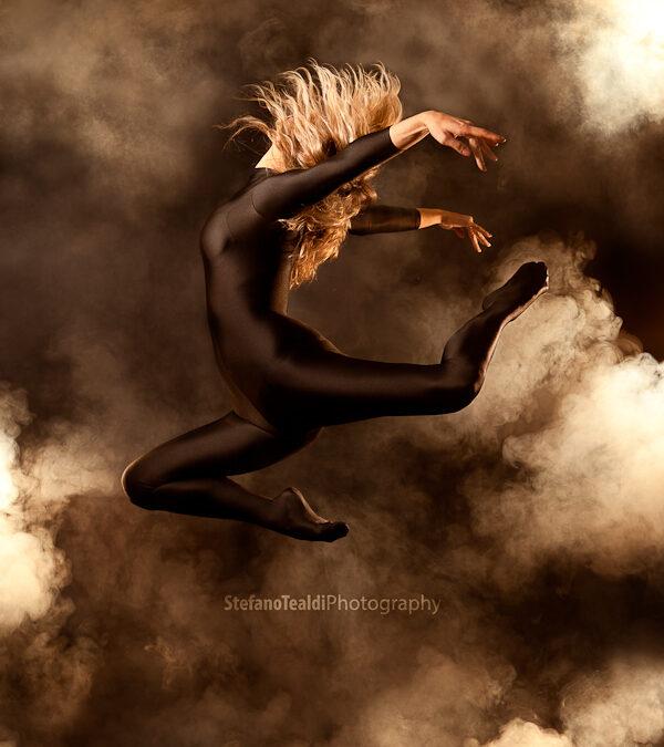 Smoke dancer